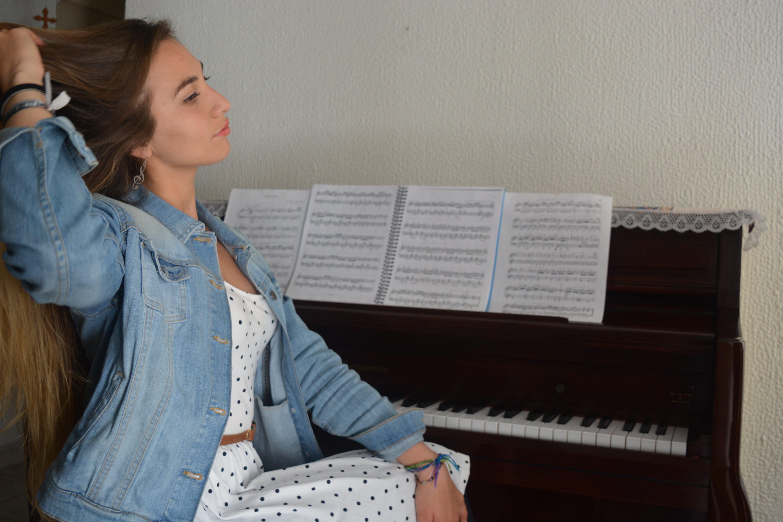 Piano. Maestra: Natasha Gómez